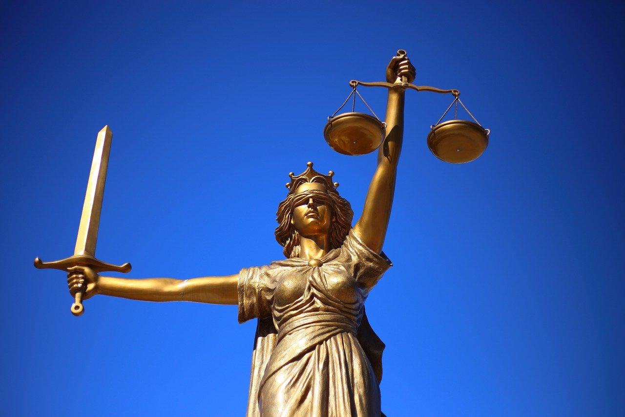 6 Anwältinnen, denen Sie auf Twitter folgen müssen