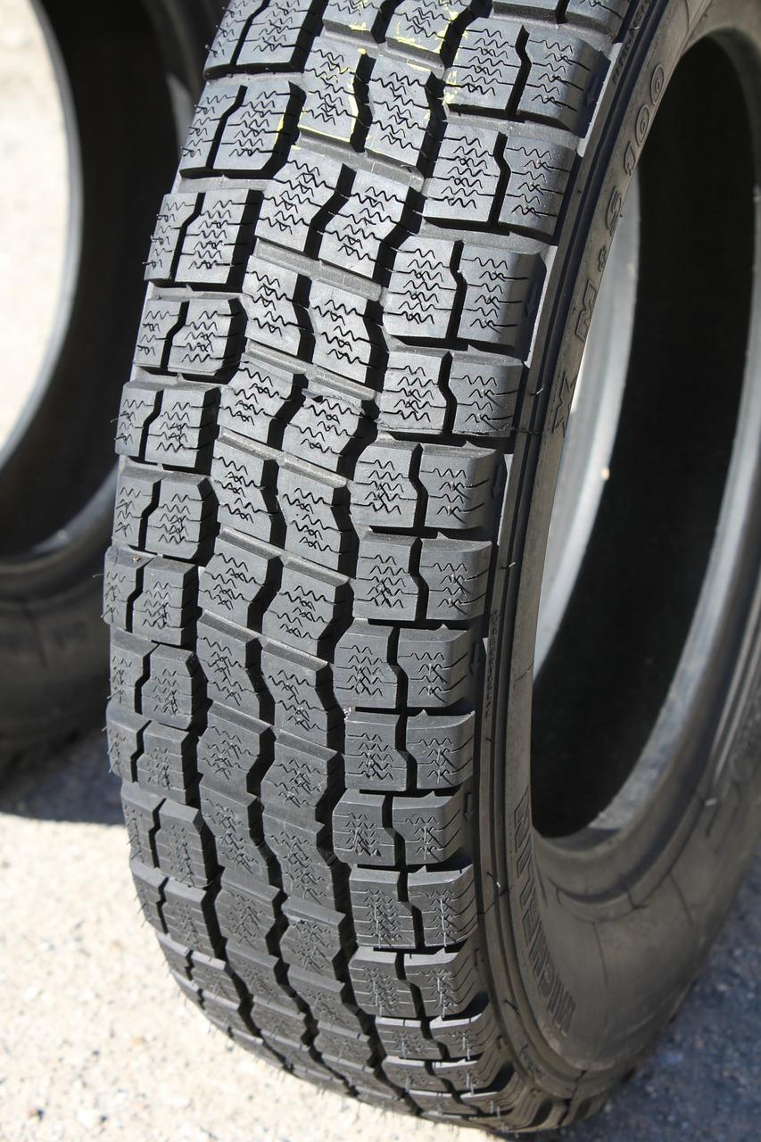 Wie Michelin und Bridgestone Innovationen bei grünen Reifen vorantreiben